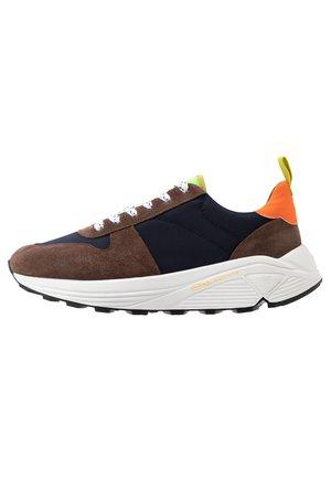 CLOSED Schuhe Outlet | Hochwertiges Schuhwerk | ZALANDO