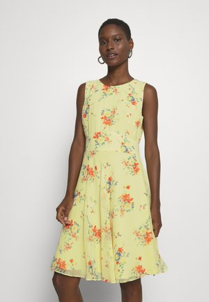 Esprit Collection Robes Fleuries Livraison Rapide Zalando
