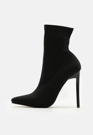 Raid Boots online på Zalando – Köp skor för dam & herr på