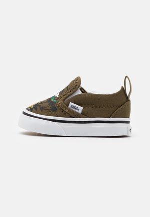 vans chaussure 26