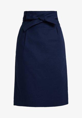 BASIC - Pouzdrová sukně - peacoat