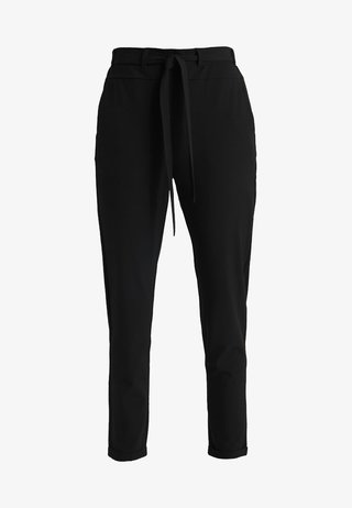 JILLIAN BELT PANT - Stoffhose - black deep