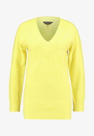 V NECK JUMPER - Strickpullover - yellow