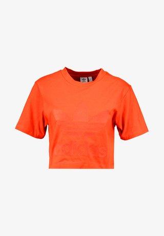 CROPPED TEE - T-shirt imprimé - craft orange