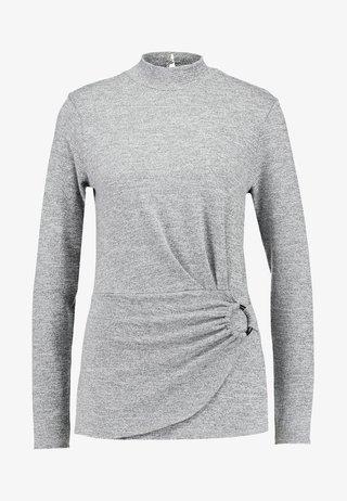 SLUBBY BUCKLE SIDE - Strickpullover - grey