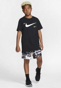 Nike Performance - DRY CAMO SHORT - Sports shorts - white/gunsmoke/thunder grey - 3
