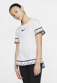 Nike Performance - TEE STUDIO - T-shirt med print - white - 3