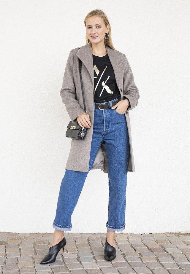 Mäntel für Damen im SALE | Spare online mit ZALANDO
