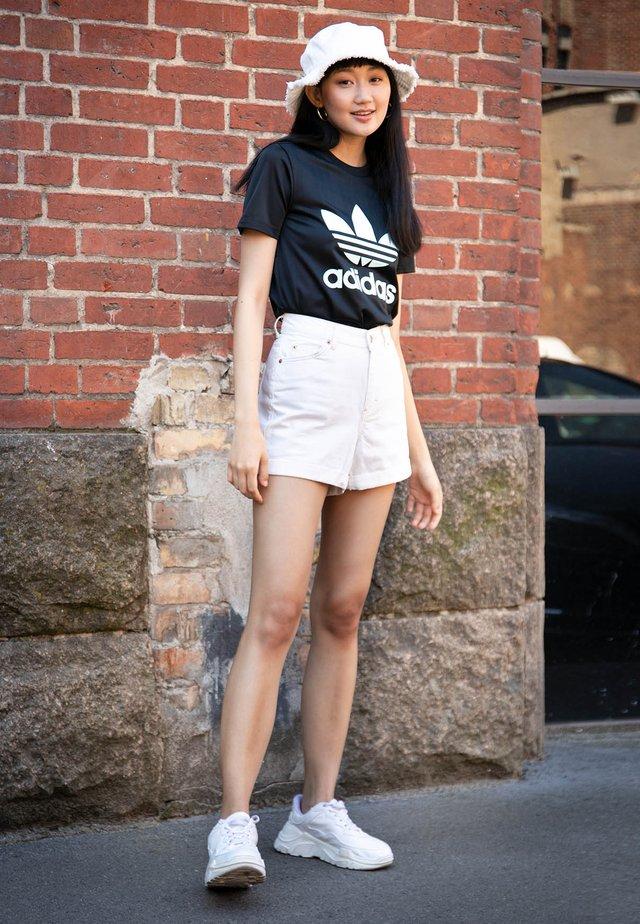 da3e37b83 Buty damskie & Odzież damska adidas Originals w ZALANDO - dostawa gratis
