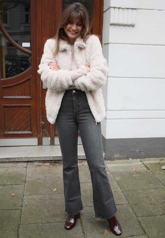 3x1 Boyfriend jeans | Jeans på nett hos Zalando