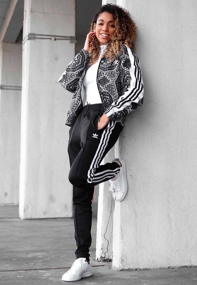 8ed499d2c Ropa de mujer en oferta | Outlet de moda online en Zalando
