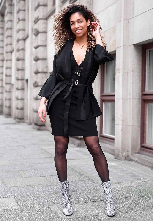 161e65916df9 Abbigliamento da donna Guess | Zalando