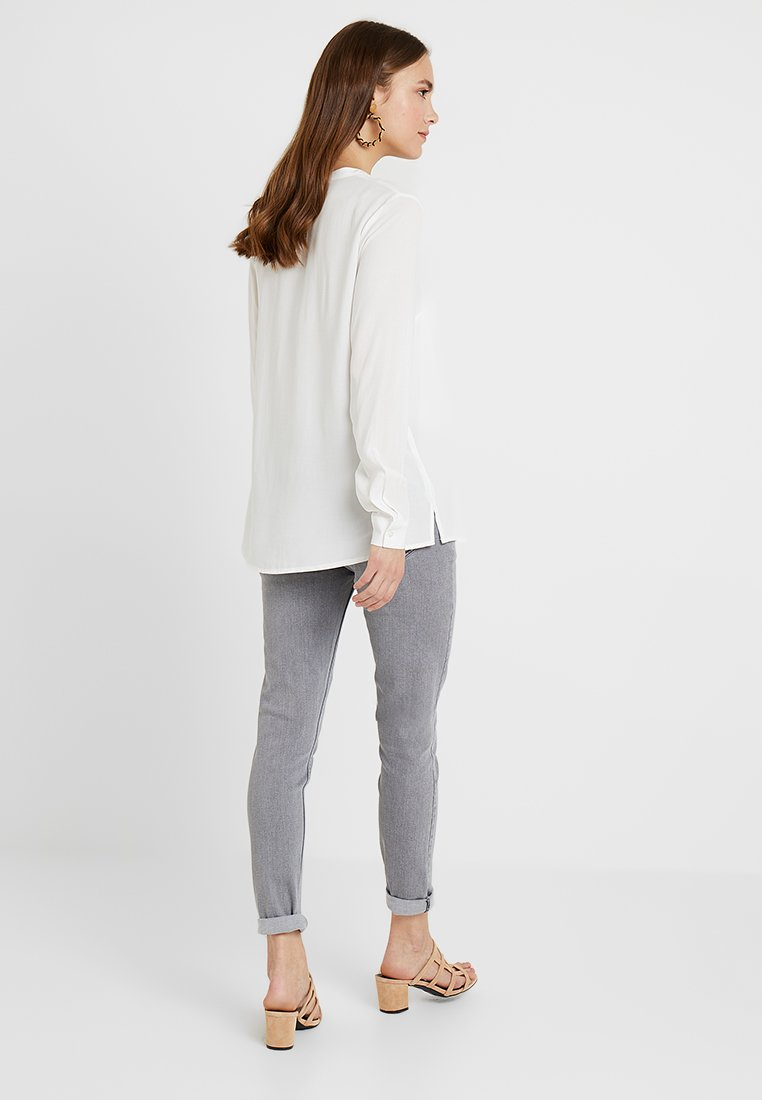 Zalando Essentials Maternity - Skjorte - off-white